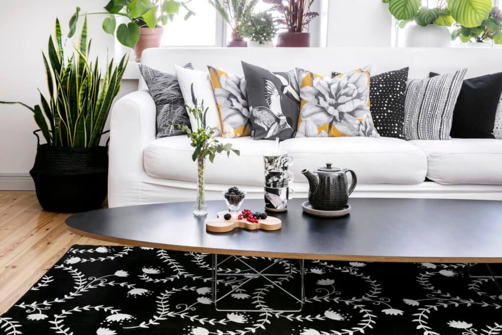Vallila_AW17_cushion_collection_Alma_Aurajoki_Tiira_mug_Virna_rug_photographerHennaSoronen