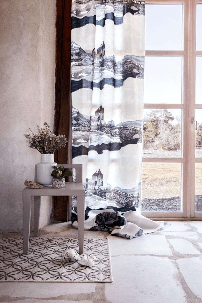 Vallila_AW18_Eileann_curtain_Klarinetti_rug_photographerHennaSoronen