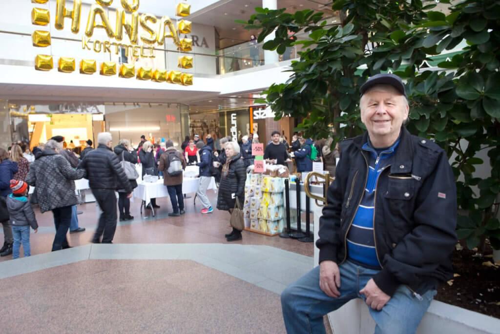 Ismo Kanerva on viihtynyt Turun keskustassa yli kuusikymmentä vuotta. Viimeiset kolmekymmentä vuotta korttelissa on ollut lämmintä myös talvella.
